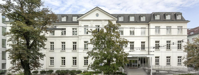 Frontansicht Klinik Diakonissen Linz